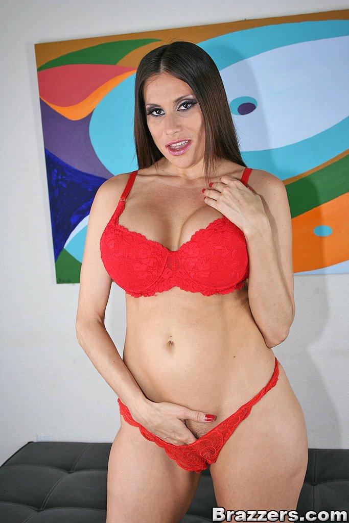 Bustyz Sheila Marie 80